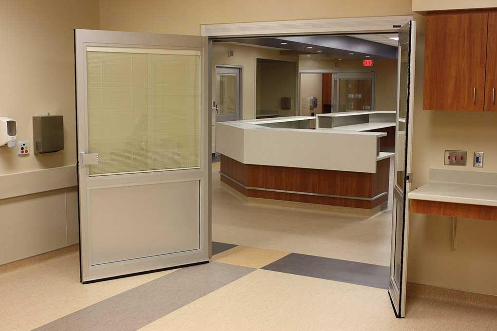 ICU Manual Swing Door